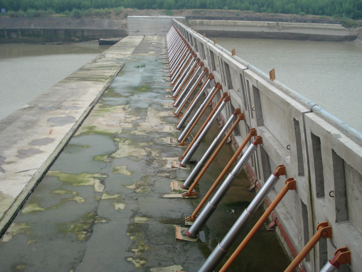 Hydraulic lifting dam